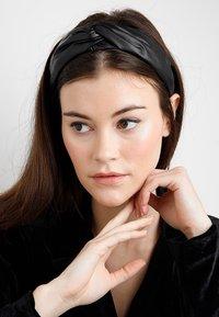 Even&Odd - HEADBAND - Haar-Styling-Accessoires - black - 1