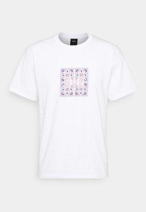 MOROCCAN TILE BOX TEE - Camiseta estampada - white