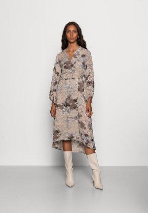BASIRA WRAP DRESS - Sukienka letnia - natural splash