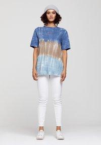 ROCKUPY - Print T-shirt - batic, multicolor - 2