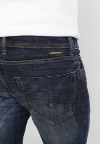 Diesel - TEPPHAR - Jeans slim fit - 087at - 3