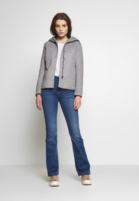 ONLY - ONLSEDONA LIGHT SHORT JACKET - Leichte Jacke - light grey melange - 1