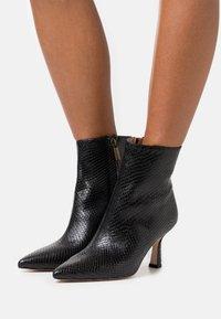 Bianca Di - Classic ankle boots - nero - 0