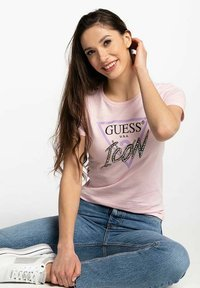 Guess - Print T-shirt - pink - 3