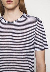 120% Lino - SHORT SLEEVE - Print T-shirt - white - 5