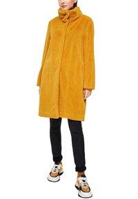 s.Oliver - TEDDY - Winter coat - yellow - 9