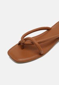 Vero Moda - VMFLINO - T-bar sandals - cognac - 7