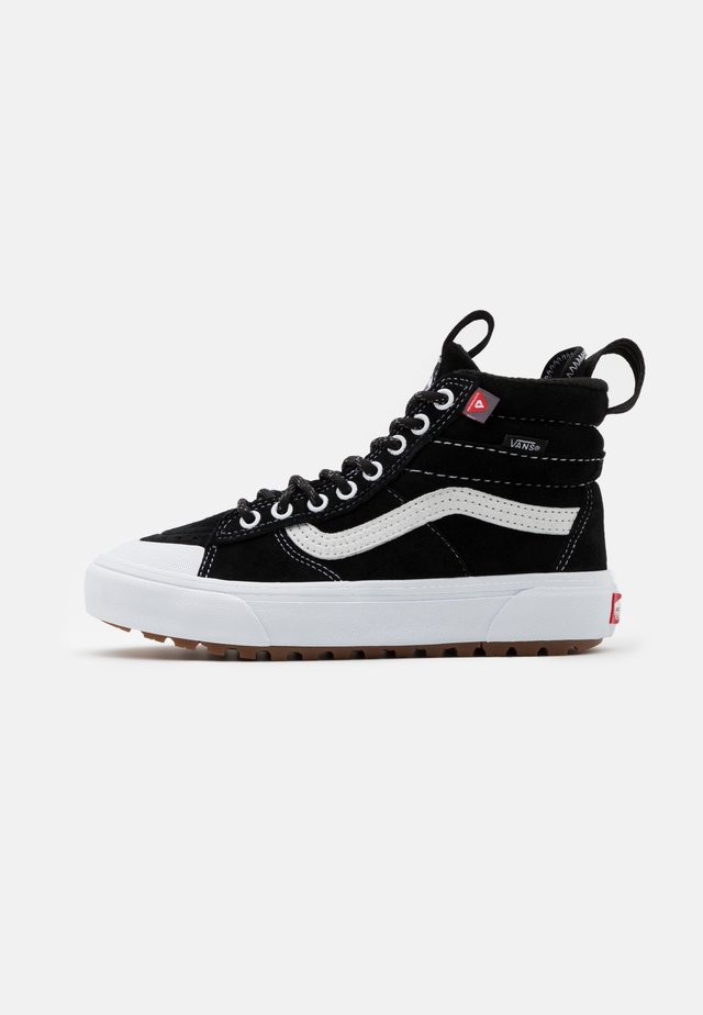 SK8 MTE 2.0 DX UNISEX - Zapatillas altas - black/true white