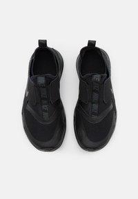 Nike Performance - FLEX RUNNER UNISEX - Neutral running shoes - black/anthracite - 3