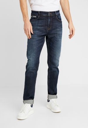 JONAS  - Slim fit jeans - magaro wash