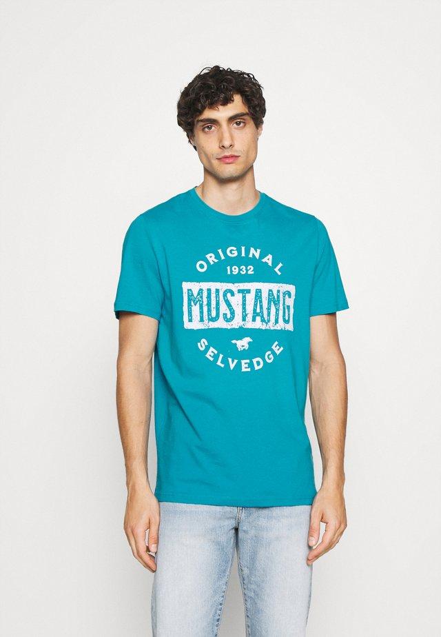 ALEX PRINT - T-shirt con stampa - caneel bay