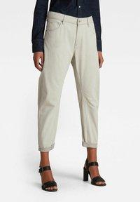 G-Star - ARC 3D BOYFRIEND - Relaxed fit jeans - ecru - 0
