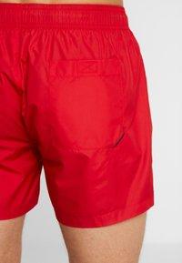 HUGO - HAITI - Shorts da mare - red - 1