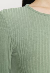 New Look - SOFT CREW NECK BODY - Long sleeved top - light green - 5