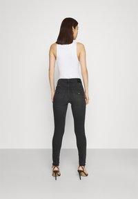 Tommy Jeans - NORA SKINNY - Jeans Skinny Fit - ceasar black - 2