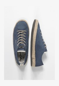 Pepe Jeans - TOURIST LAMU SUEDE - Zapatos con cordones - dark blue - 1