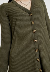 American Eagle - BUTTON THROUGH WAFFLE DRESS - Jumper dress - olive - 5