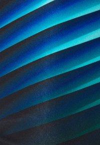 Speedo - PLACEMENT AQUASHORT  - Swimming trunks - black/light adriatic - 2