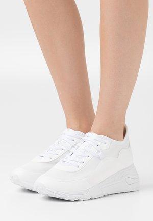 CADORELIA - Trainers - white