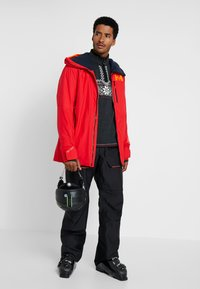 Helly Hansen - STRAIGHTLINE LIFALOFT JACKET - Snowboardová bunda - alert red - 1
