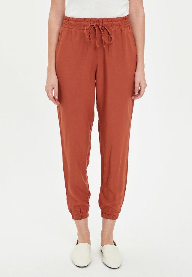 Pantalones Naranjas De Mujer Coleccion Online En Zalando