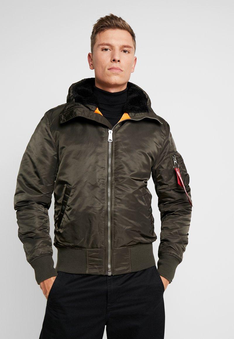Alpha Industries - HOODED STANDART FIT - Light jacket - black olive