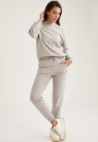 DeFacto Fit - Tracksuit bottoms - grey - 1