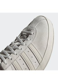 adidas Originals - BROOMFIELD - Matalavartiset tennarit - rawwht/cbrown/goldmt - 7