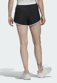 adidas Originals - 3 STRIPES ADICOLORSHORTS - Shorts - black - 1