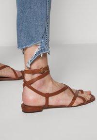 3x1 - AUTHENTIC CROP - Jeans straight leg - gina destroy - 4