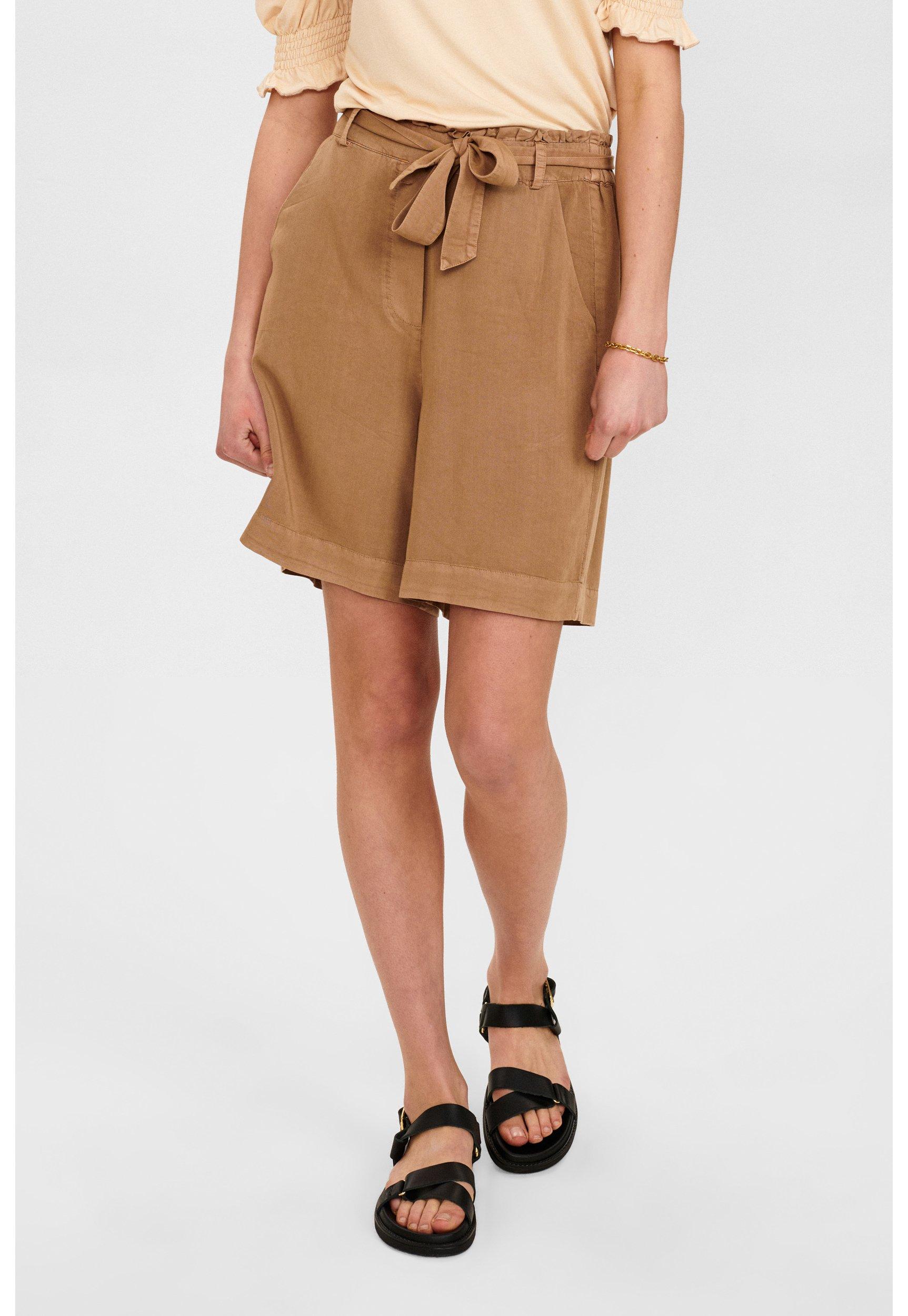 Women NUCASILDA - Shorts