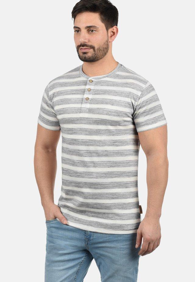 ALBEMARLE - T-shirt con stampa - black