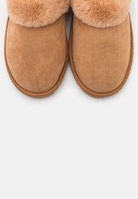 Even&Odd - Slippers - cognac - 5