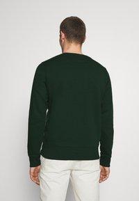 GANT - MEDIUM SHIELD CNECK - Sweatshirt - tartan green - 2