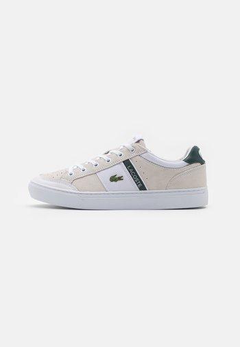 COURTLINE - Sneakers - white/dark green