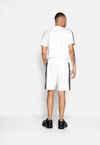 Kappa - ITALO - Pantaloncini sportivi - bright white - 2