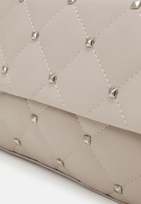 Gina Tricot - SALLY BAG - Handbag - beige - 3