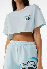 Bershka - POWERPUFF GIRLS - T-shirt imprimé - light blue - 3