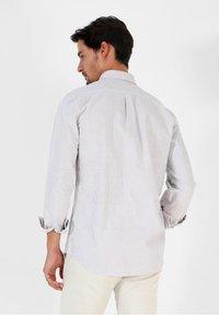 Scalpers - Shirt - burgundy stripes - 2