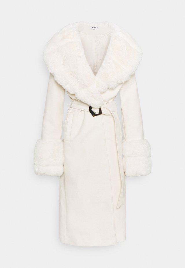 COLLAR CUFF COAT - Classic coat - cream