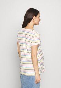 Esprit Maternity - Print T-shirt - offwhite - 2