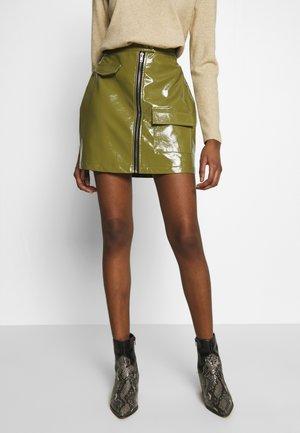 UTILITY MINI SKIRT - Mini skirt - green