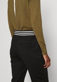 ONLY Tall - ONLANNY PANTS - Teplákové kalhoty - black - 3