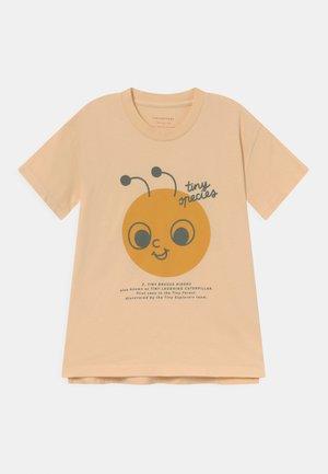 UNISEX - T-shirt imprimé - cappuccino/honey