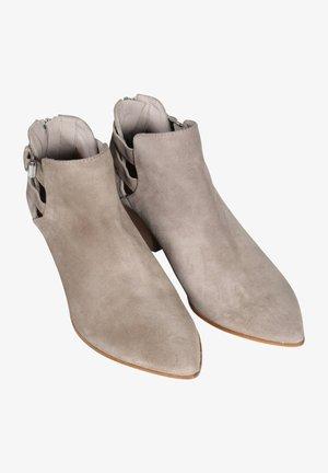 Classic ankle boots - safari