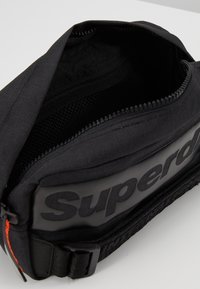 Superdry - INTERNATIONAL BUM BAG - Bum bag - black - 4
