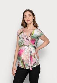 9Fashion - SOLANGE  - Print T-shirt - mottled light pink - 0