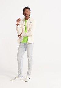 Superdry - VINTAGE CREW - Basic T-shirt - neon green space dye - 1