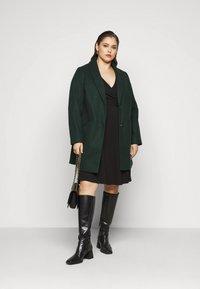 Dorothy Perkins Curve - WRAP DRESS - Day dress - black - 1