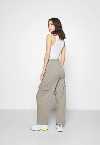 Topshop - SLOUCH UTILITY JOGGER - Tracksuit bottoms - taupe - 2